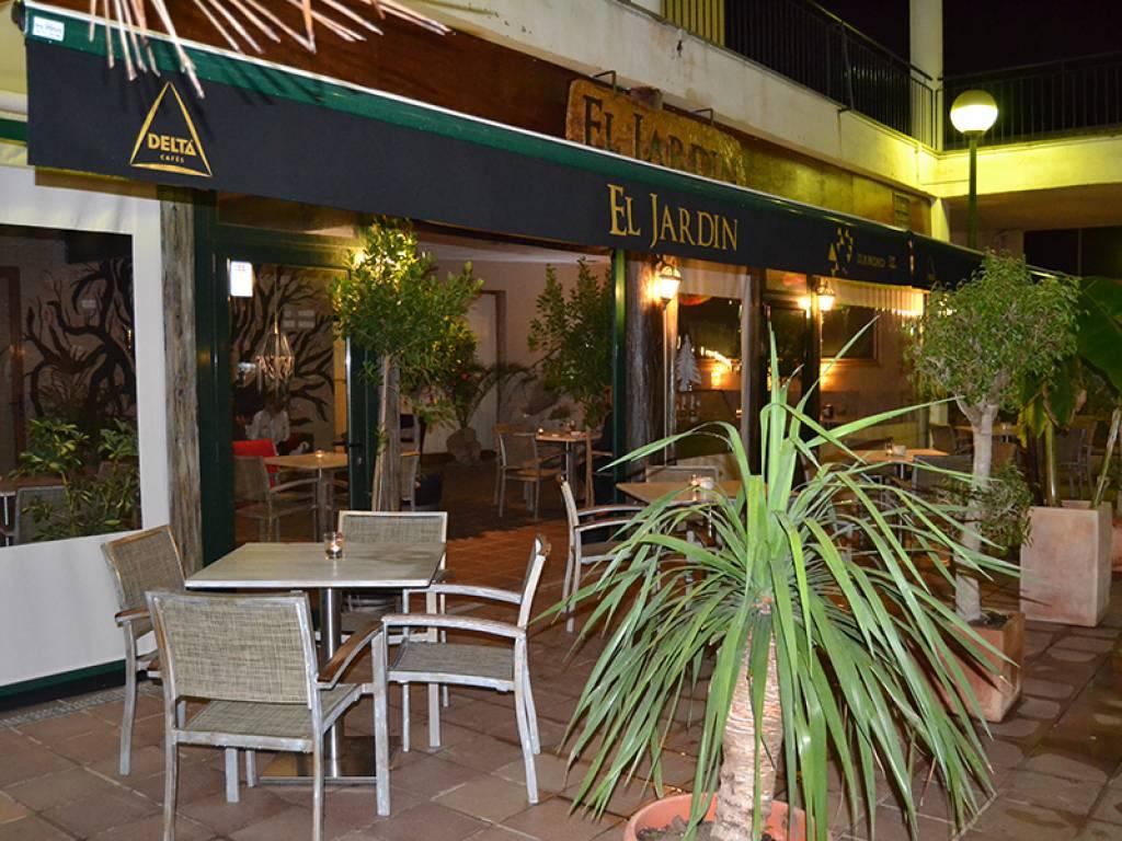 El jardin maioris restaurantes en maioris mallorca for Restaurante jardin mallorca